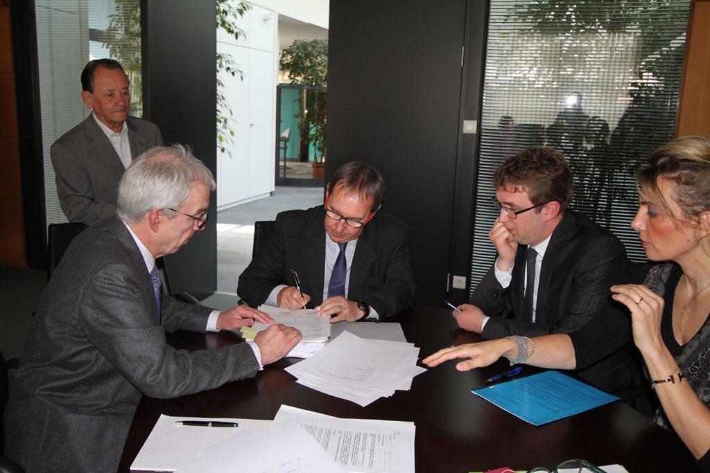 Signature d'une promesse de vente entre le SMAT et Unibail Rodamco